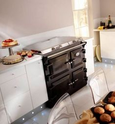 The Everhot 100+ series range cooker available from Kernow Fires.   #everhot…