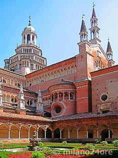 Die Kartause von Pavia  Südlich von Mailand befindet sich das noch heute von Kartäusermönchen bewirtschaftete Kloster Certosa di Pavia aus dem 15. Jh. Die kostbar ausgestattete Kirche und das Kloster sind eine Attraktion Norditaliens.