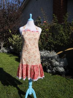 Hey, I found this really awesome Etsy listing at https://www.etsy.com/listing/159541457/ladies-cottage-chic-apron-full-apron