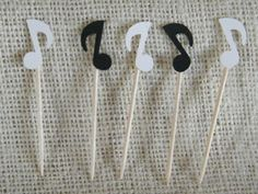 50 Food Party Picks -Black and White Musical Notes - Party Decoration - Recital Reception-Music Lovers Más Music Theme Birthday, Music Themed Parties, Karaoke Party, Rock Star Party, Fruit Party, Music Decor, Party Themes, Music Party Decorations, Party Ideas