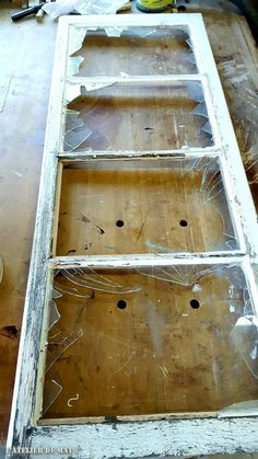 Old windows – Old windows Diy Furniture Hacks, Reupholster Furniture, Furniture Makeover, Diy Room Divider, Outdoor Garden Decor, Wall Clock Design, Old Windows, Metal Wall Decor, Diy Wood Projects
