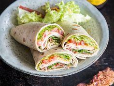 Tolle Rolle für unterwegs: Schinken-Käse-Wraps mit Bacon