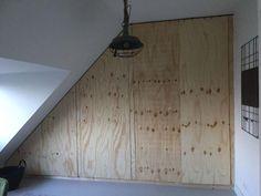 Wandkast DIY - Ineens hebben we opbergruimte - LiveLoveHome Diy Wand, Wardrobe Closet, Plywood, Future House, Home Improvement, Garage Doors, New Homes, Windows, Interior