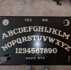 I painted my coffee table! Diy Coffee Table, Diy Table, Diy Ouija Board, Ouija Table, Stick Poke Tattoo, Mushroom Paint, Witch Board, Painted Boards, Diy Halloween Decorations