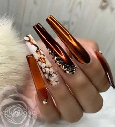Multi-element trend nail style, let's try it together. Fancy Nails, Bling Nails, Swag Nails, My Nails, Fabulous Nails, Gorgeous Nails, Pretty Nails, Crome Nails, Nagellack Design