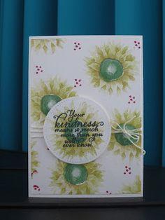 Opnieuw een zonnebloemen kaartje maar dan gestempeld in de kleur Lemon Lime Twist voor de kroon van de bloem en Garden Green voor het hart v...