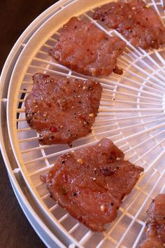 17 bài đánh giá · giờ · Gluten free · Dùng cho 5 người · This Malaysian Pork Jerky has a great flavor with a little sweetness that is found all across the Asian continent. My co-workers couldn't put this jerky down. It lasted about 3 minutes. Jerkey Recipes, Pork Recipes, Healthy Recipes, Cooker Recipes, Chicken Jerky Recipe, Pork Jerky Recipe Dehydrator, Food Dehydrator, Jerky Marinade, Homemade Beef Jerky