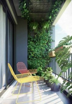 60 Ways To Turn Your Tiny Balcony Into An Irresistible Outdoor Space 2019 Page 18 - Balcony Garden Small Balcony Design, Small Balcony Garden, Small Balcony Decor, Balcony Plants, Outdoor Balcony, Balcony Ideas, Balcony Gardening, Small Balconies, House Balcony Design