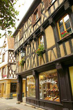 Chocolatier - Bourges, France Bourges, An American In Paris, Saint Nazaire, Store Fronts, Far Away, Architecture, Old Town, Belgium, Pays De La Loire