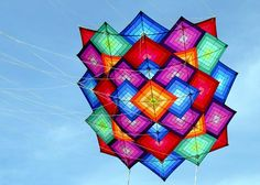 Kite Building, Kite Store, Le Vent Se Leve, Kite Designs, Kite Making, Go Fly A Kite, Wind Sculptures, Hot Air Balloon, Diamond Shapes