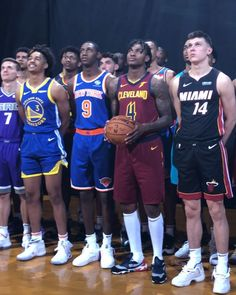 2019 take their Rookie Photo Shoot group portrait! Cheer Games, Nba Fashion, Nba Championships, Sport Icon, Nba News, Trail Blazers, Sport Motivation, Kevin Durant, Nba Players