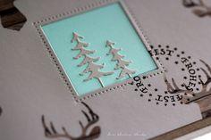 der kleine klecks Weihnachtskarte aus dem Novemberkit der Papierwerkstatt mit kleinen Tannenstanzen und Papier von Jen Hatfield - warm and cozy Stempel Frohes Fest von Heindesign