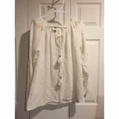 {Knox Rose} Top Never worn, fits true to size. NOT FP! Make me an offer!!!! Free People Tops Blouses