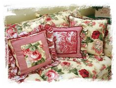 this is a close up of the cushions chintz gingham toile on the sofa in the previous picture...love it!