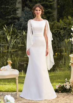 Very simple yet elegant Greek inspired wedding gown