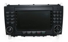 2004 - 2009 Mercedes CLK AM FM Radio Command System Sat/Nav Capable A2098700189