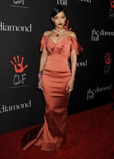 Elle's Fashion Boudoir : Rihanna | Posin' in Posen | Beverly Hills