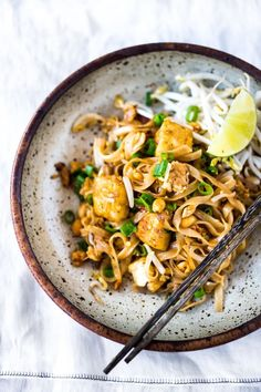 The BEST Pad Thai Recipe ! - The BEST Pad Thai Recipe made with simple accessible ingredients that is fully customizable! Make this with your choice of chicken, shrimp or tofu! Simple, easy and fast with the BEST flavor! Easy Delicious Recipes, Vegan Dinner Recipes, Vegan Dinners, Vegan Recipes Easy, Vegetarian Meals, Asian Recipes, Whole Food Recipes, Family Recipes, Vegetarian Pad Thai