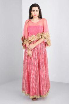 RIDHI BANSAL - cape style lehenga set #flyrobe #weddings #friendsofthebride #designerwear #indianweddings#indianweddingoutfits