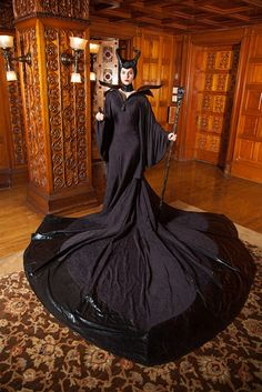 Accurate Maleficent costume cosplay by Marie Porter Costuming Maleficent Cosplay, Disney Cosplay, Epic Cosplay, Amazing Cosplay, Disney Costumes, Cool Costumes, Cosplay Girls, Disney Maleficent, Halloween Kostüm