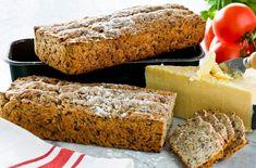 Både surdeigen og deigen skal heve et døgn. Banana Bread, Baking, Desserts, Food, Tailgate Desserts, Deserts, Bakken, Essen, Postres