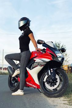 Biker Girl in a Cool AGV Helmet Sitting on Her Suzuki Motorcycle Carbon Fiber Motorcycle Helmet, Motorcycle Helmets For Sale, Motorcycle Wear, Suzuki Motorcycle, Biker Chick, Biker Girl, Agv Helmets, Chicks On Bikes, Bike Bmw