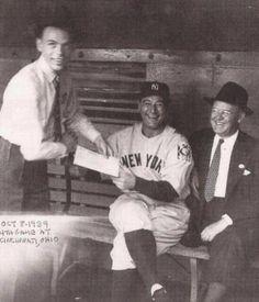Lou Gehrig meeting Frank Sinatra in 1939.