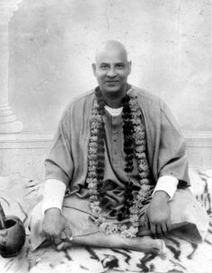 The mind is responsible for the feelings of pleasure and pain. Control of the mind is the highest Yoga ~ Swami Sivananda 🌟 Sunday September is Swami Sivananda's birthday 🌟 Join me and we'll still the thought waves of the mind together ⭐️