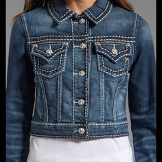 〽️〽️ 〽️asking You Feel Like a Queen! Cute⚜NWT RETAIL Why not have the look you love from Miss Me Jeans in a Denim Jacket? This fabulous jacket features the large white stitching and crystal riveting that is so signature to Miss Me! Material Content: 93% Cotton, 6% Polyester, 1% Elastane Miss Me Jackets & Coats Jean Jackets