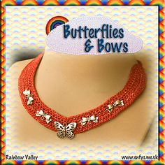 Butterflies and bows necklace..I think I'll add buttons or beads to mine...FREE PATTERN!