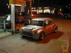 FILL IT UP FRIDAY MINI IN THE DARK this week is a very fat arched lil beasty at the pumps, can't decide if it's a Mini Minus or a Space Framed beasty?