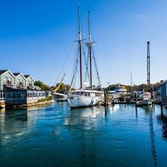 Discover the way lif Discover the way life should be in Kennebunkport with our travel guide! Us Travel, Travel Guide, Kennebunkport Maine, Getting Out, No Way, Vacation Destinations, Sailing Ships, Places To Go, Exotic