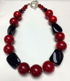 Would love to wear this Fabric Jewelry, Beaded Jewelry, Handmade Jewelry, Jewelry Necklaces, Jewellery, Onyx Necklace, Short Necklace, Beaded Necklace, Beaded Bracelets