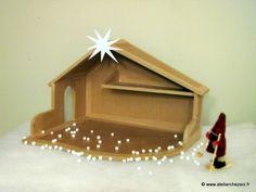 Crèche de Noël en carton - Tutoriel - Gabarits : feuille 1 = http://www.atelierchezsoi.fr/pub/tutoriels/creche/creche_1.pdf et feuille 2 = http://www.atelierchezsoi.fr/pub/tutoriels/creche/creche_2.pdf