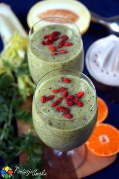 Mega przeczyszczający koktajl owocowo-warzywny z nasionami papai http://fantazjesmaku.weebly.com/blog-kulinarny/mega-przeczyszczajacy-koktajl-owocowo-warzywny-z-nasionami-papai