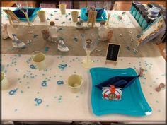 """Table de Fête pour Baby Shower ou Baptême dans les tons """"marine"""". Toutes nos idées de déco de table ici : http://www.boutique-jourdefete.com/blog/actualite-des-magasins/idees-de-decoration-de-table/"""