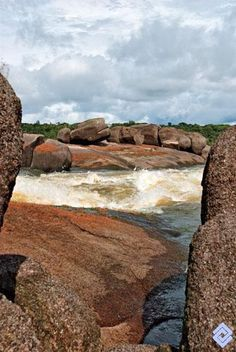Raudal Santacruz en el río Vaupés, Colombia