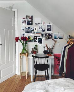 """Pinterest: @startariotinme 2,412 Likes, 7 Comments - SEBASTIAN (@mosebacke) on Instagram: """"Annandag jul!! Här blommar amaryllisarna o jag njuter av eget-rum-tid som förr när jag bodde här…"""""""
