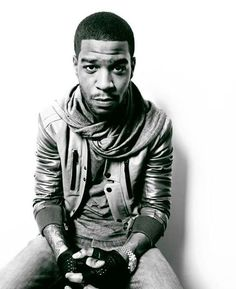 Image uploaded by Endzeit. Find images and videos about style, music and swag on We Heart It - the app to get lost in what you love. Kid Cudi Wallpaper, Kid Cudi Poster, Hip Hop Outfits, American Rappers, Tattoos For Kids, My Youth, Black And White Portraits, Mixtape, My Music