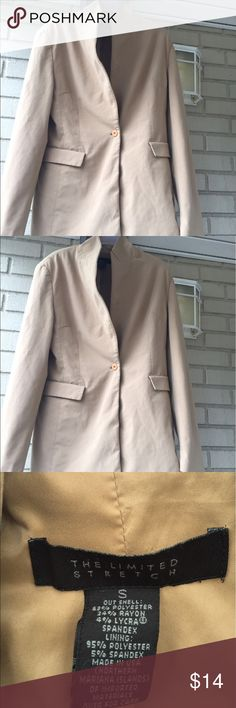Women's Tan Blazer Stylish blazer with one button closure and two front pockets. For a slim petite business casual or professional woman attire. This blazer will look good with a nice pair of straight leg or skinny jeans. The Limited Jackets & Coats Blazers