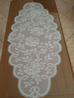 Semi tejido a ganchillo 💛 - Meine Arbeiten! Filet Crochet Charts, Crochet Doily Patterns, Crochet Doilies, Crochet Lace, Knitting Patterns, Crochet Table Topper, Crochet Table Runner, Crochet Tablecloth, Fillet Crochet