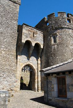 Castle Cahir built 1142, Cahir, Ireland Copyright: Ian Fegent