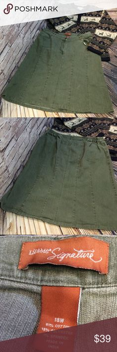 SZ 18W LIZ CLAIBORNE GREEN DENIM SKIRT/PLUS Beautiful skirt for fall and winter in gently used condition. Has elastic panels on each side of waistband and button and zip in the front. Very nice quality Liz Claiborne Skirts Midi