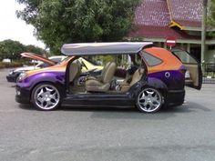 Mitsubishi kuda grandia modifed from pekanbaru. Riau