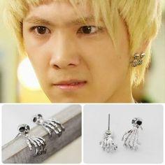 [FTISLAND Style] Ghost Finger Earring(Hong-ki)  Price: $6.00 on Kstargoods.com (The best kpop shop)