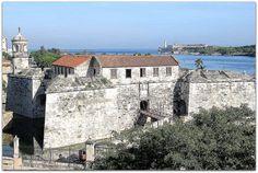 Castillo de La Real Fuerza, vista general con El Morro y la entrada a La Bahía de La Habana. Cuba, Mansions, House Styles, Saint Christopher, Havana, Fortaleza, Strength, Castles, Museums