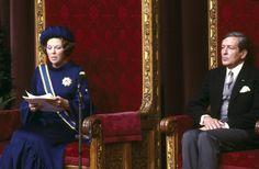Koningin Beatrix leest voor de eerste keer de troonrede voor.