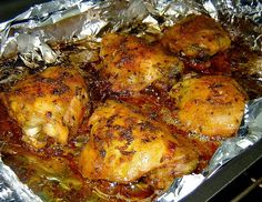 Olha o frango de novo                                                INGREDIENTES   1kg e meio de coxa e sobrecoxa de frango  2 Dentes de al...