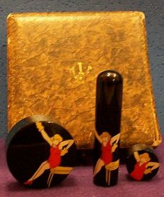 Vintage Compacts Amp Make Up On Pinterest Compact