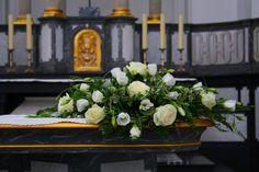 http://www.festlich-floral.de/tl_files/schinkenmeyer/blumenhaus/bilder_2011/Hochzeitsfloristik/altargestecke/hzka012.JPG